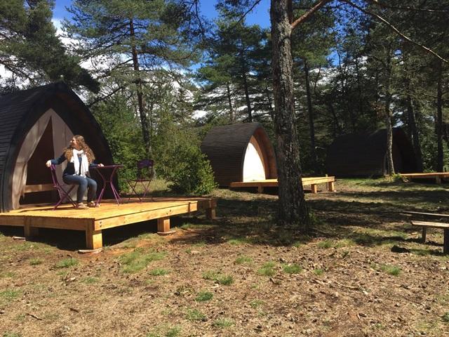 eco camping le cun du larzac f d ration des parcs naturels r gionaux de france. Black Bedroom Furniture Sets. Home Design Ideas